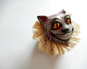 Brooch  Cheshire Cat Alice in wonderland