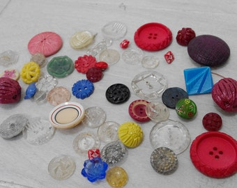 A Selection of Vintage Plastic Buttons