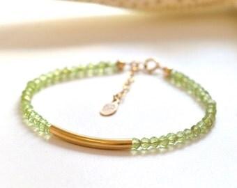 Peridot Bracelet,  Green stone Bracelet, Everyday Jewelry, Romantic Jewelry, Minimum jewelry, Minimalist, August Birthstone Jewelry