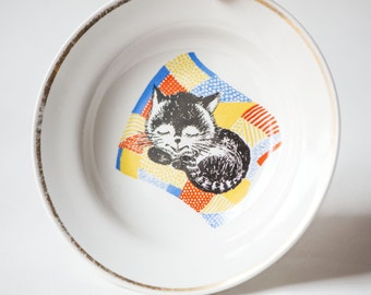 Vintage kids plate sleeping cat, cute soup plate porcelain, small bowl housewarming, tableware kids kitty, fun plated happy cat 70s