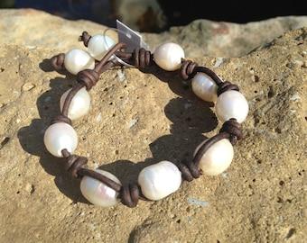 Zigzag Rice Pearl Bracelet