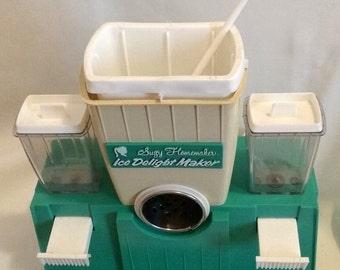 Vintage Suzy Homemaker ICE DELIGHT Maker 1969 Topper Toys USA Snow Cones
