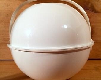 Sale ! Mid-Century Guzzini 30 Piece Picnic Set Plates Bowls Cups More Mod 1960s Mad Men Eames Era ITALY