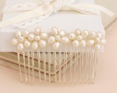 Wedding Pearl Hair Comb Bridal Hair Accessory with Ivory Real Pearl Flowers Bridesmaid Headdress Maid of Honor Head Piece Daisy