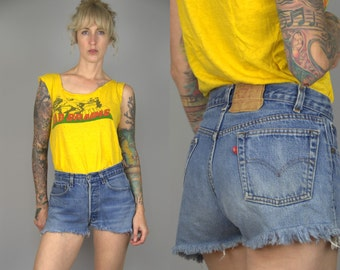 90s Levis Blue Denim High Waisted Jean Shorts W 29