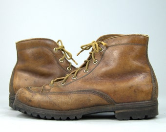 70s Italian Hiking Boots Heavy Duty Leather Mountaineer Lace Up Work Boots Womens 8.5 / 9