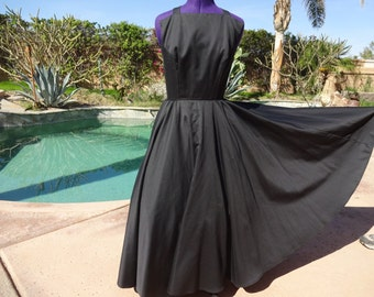 Vintage 80s/50s dress 1980s does 50s fitted full sundress M Victor Costa black versatile maxi gown attached crinoline