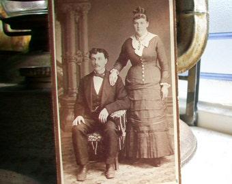 Antique Cabinet Card Photograph Victorian Couple 1800s