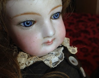 Splendiferous Antique French Fashion Doll