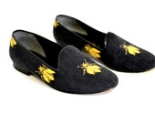 Vintage Smoking Loafers - Womens Vintage 90s Zalo Needlepoint Bee 6.5