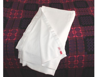 WWII utility brand cotton twill bed sheet. Made by Osman England. Large size