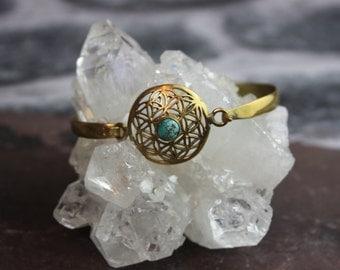 BRASS MANDALA BRACELET- Sacred Geometry -Mandala -Spiritual Jewelry -Flower of Life- Bracelet- Arm Cuff- Vintage Jewelry- Brass Bangle- Gold