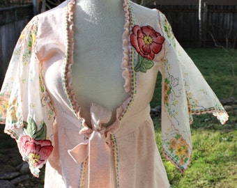 Vintage Pink Sweater With Embroidery and Handkerchief Sleeves Size Small