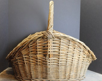 Vintage Country French Gathering Basket // Texture // Decorator Basket
