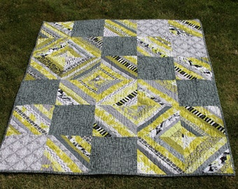 Small String Quilt in Lime Green and Gray