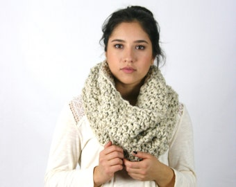 Textured Crochet Cowl Scarf Chunky Crochet Hood  / THE LECONTE / Oatmeal