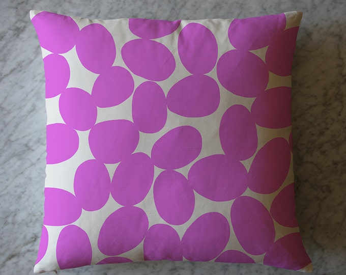 Pillow with Pink Dots.  February 29, 2016