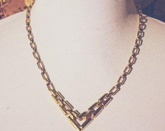GOLDEN CHEVRON >>> Gold V Choker Necklace from Avon 80s 90s Chevron