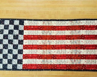 Stars and Stripes QUILTED PATRIOTIC AMERICANA Wall hanging table runner Memorial Day Flag Day 4th of July Labor Day