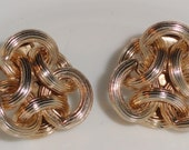 Vintage Signed NAPIER PAT PEND Gold Tone Knot Connecting Loop Loops Clip On Earrings