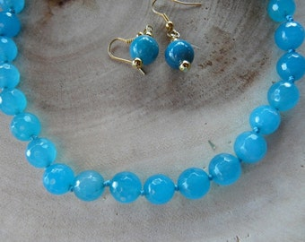 18 Inch Faceted Blue Jade Hand Knotted Necklace with Earrings