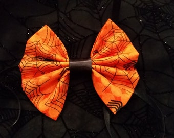 Spiders and Cobwebs Hallowen Pet Bow