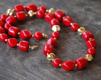 """Vintage LIZ CLAIBORNE Necklace Chunky Red Beaded Gold Tone 30"""" Long Valentine's Day Statement 1980's // Vintage Designer Costume Jewelry"""