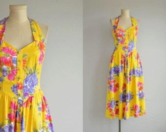 Vintage 80s Dress / 1980s Bright Floral Print Halter Sundress