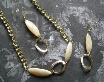 INESSA Necklace and Earrings Jewelry Set in Gold Chain and Ivory Shell Oblong