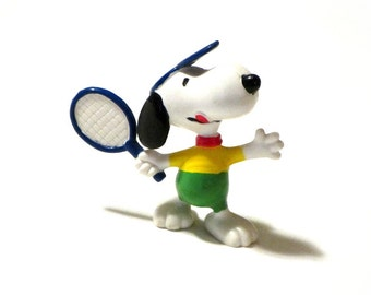 Athletic Snoopy Tennis Player Plastic Figurine United Feature Famous Beagle  Collectible Peanuts Characters