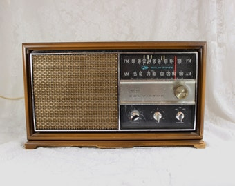 RCA Victor AM FM Electric Radio- Vintage/ Antique- Works!- Retro design with Asian style brass handles- model rgc43n Gold