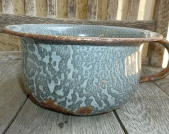 Vintage Granitware Chamber Pot