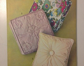 Vintage 60s Advance Sewing Pattern 723 Set of Pillows