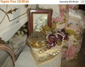 SUMMER SALE Lovely Victorian/French Romantic Vignette Heart Box,Valentine's Day Gift