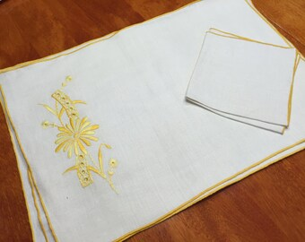 Set of 4 Vintage Ivory and Yellow placemats for home decor, housewares, dining, shabby chic by MarlenesAttic