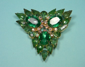 Classic Elegant Emerald Green Glass and Rhinestone Brooch, Aurora Borealis, Quality Vintage