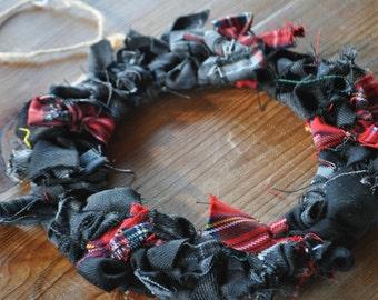 Tartan Wreath made from Royal Stewart, Grey Granite and Thompson Grey tartan. Scottish Heritage Gift, Scottish Christmas Gift