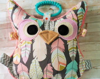 Stuffed Owl, Baby toys, owl toys, woodland, crinkle sounds, teething toys. Can be Personalized.