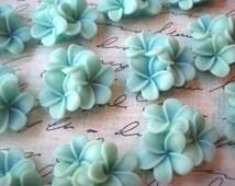 Flower Cabochons / AQUA Flower Clusters / 21mm / Resin Flower Cabochon / Flat Backs / No Holes