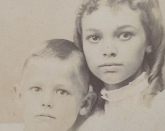 Beautiful Children Siblings Antique Cabinet Card Photo