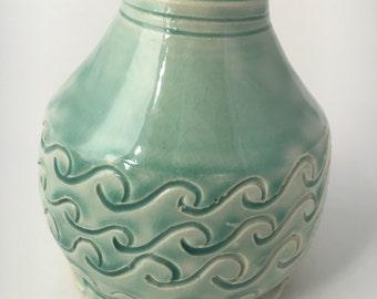 Waves bottle