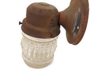 Vintage Porch Light - 1960s Porch Light - Glamper Light Fixture - Sconce - Wall Mount Light Fixture - Free Shipping - 5MTT16