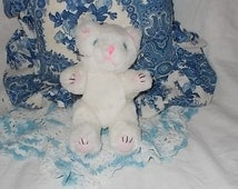 Sweet Jointed Blue Eye White Kitten/ Not Included in Coupon Sale /S