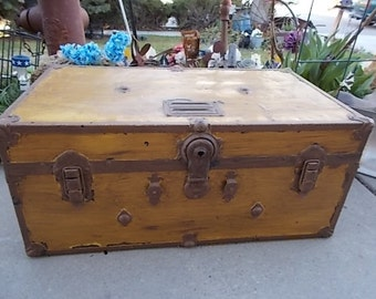 Vintage Foot Locker Trunk/ Not Included In Any Coupon Discount Sale /New Listing :)S