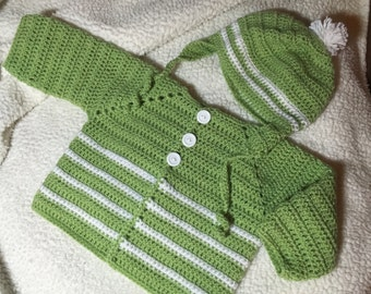 crochet green and white sweater and hat set , size 6 month (CL)