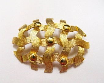 ON SALE MONET Gold Tone Textured Pin Item K # 1069