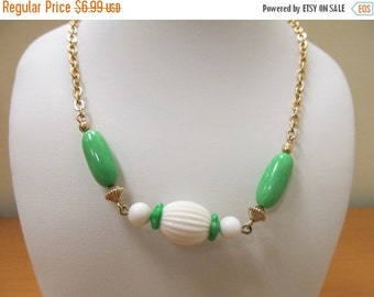 On Sale AVON Green and White Beaded Necklace Item K # 1137