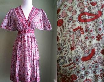 1970's Boho Tapestry Dress - Vintage 70's Hippie Festival Dress - Flutter Sleeve - Medium M Large L