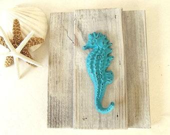 Reclaimed wood Seahorse hook Beach wood wall towel hook rack Coastal Nautical key hook turquoise white distressed seahorse hook jewelry rack