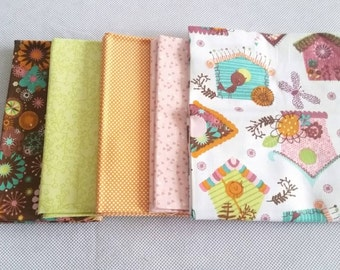 Fat Quarter Bundle, Cotton Fabric, Birdhouse fabric with 4 co-ordinating fabrics, 5 Fat Quarters, Sewing, Quilting, Patchwork, Applique.
